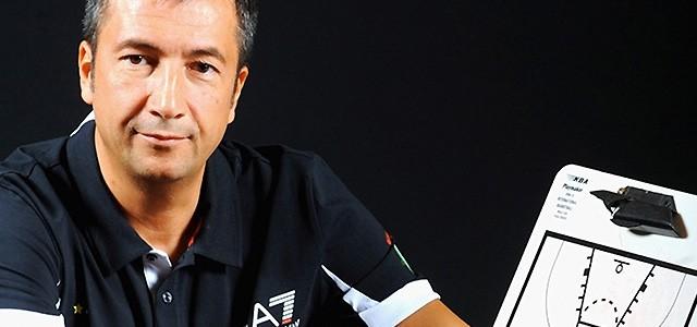 Um clinic em ItáliaA constante formação de um treinador é fundamental para o seu desenvolvimento, sendo que essa formação poderá vir de diferentes maneiras.